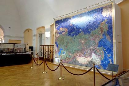 Мозаичное панно «Индустрия социализма» в Геологоразведочном музее СПб