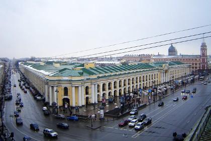 Современный вид Большого Гостиного Двора в СПб