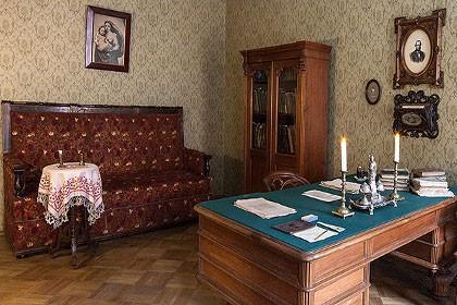 Кабинет Достоевского в мемориальной квартире-музее в СПб