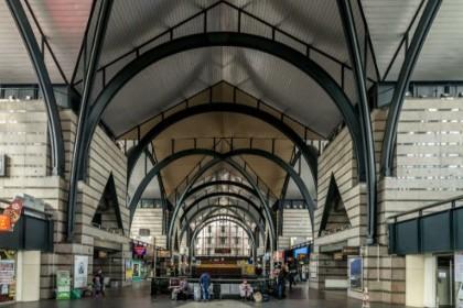 Вестибюль Ладожского вокзала в СПб