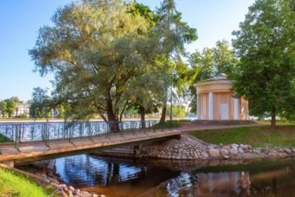 Лопухинский сад в СПб