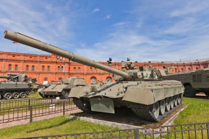 Советский танк Т-80 в Музее артиллерии СПб