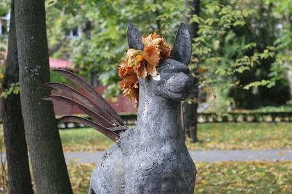 Одна из скульптур в Измайловском саду Санкт-Петербурга