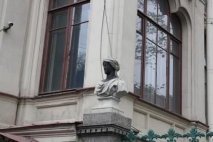 Знаменитые мавры особняка Кочубея в СПб