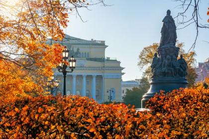 Екатерининский сквер в Санкт-Петербурге