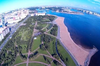 Вид на парк 300-летия Петербурга с высоты