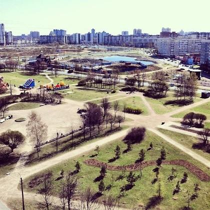 Вид на парк Озеро Долгое в СПб