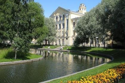Дворец в Юсуповском саду в СПб