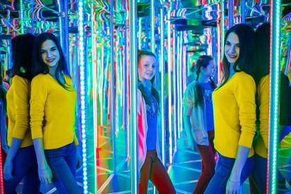 Зеркальный лабиринт в СПб
