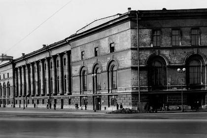 Здание Зоологического института в СПб, 1930-е гг.